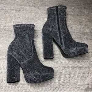 ✨Steve Madden STARDUST booties sock boots